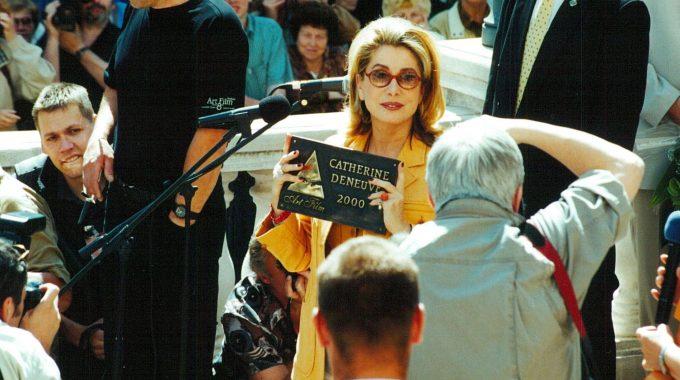 Catherine Deneuve laureátka ocenenia Hercova misia 2000